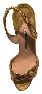 Manolo Blahnik Unique Fashionable Elegant Golden Sandals