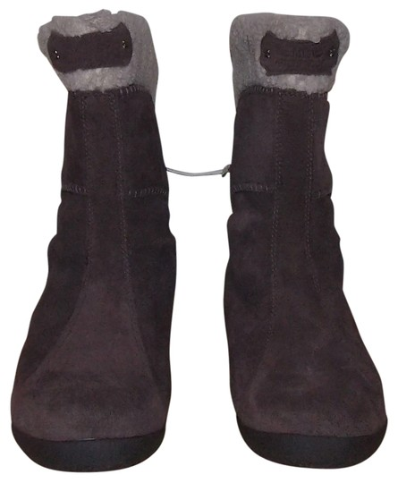 Preload https://item1.tradesy.com/images/timberland-brown-and-cream-avebury-bootsbooties-size-us-6-regular-m-b-1506345-0-0.jpg?width=440&height=440