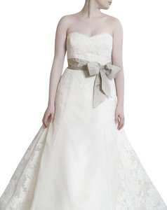 Vera Wang Ivory Satin Organza and Lace Whitney Vintage Wedding Dress Size 8 (M)