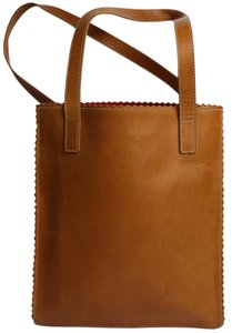 Guia Tote in Brown
