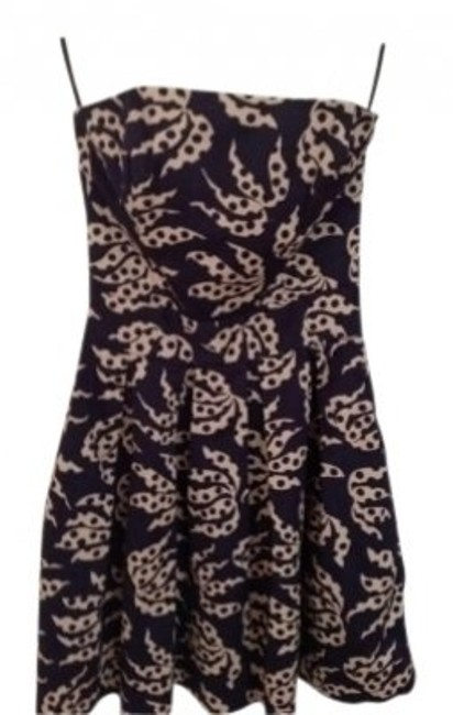 Preload https://img-static.tradesy.com/item/150679/french-connection-strapless-summer-with-pockets-above-knee-short-casual-dress-size-2-xs-0-0-650-650.jpg