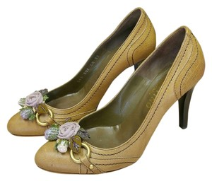 Valentino Runway Fashion Show Tan Brown Pumps