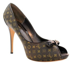 Louis Vuitton Lv Peep Toe Logo Platform Leather Monogram Pumps