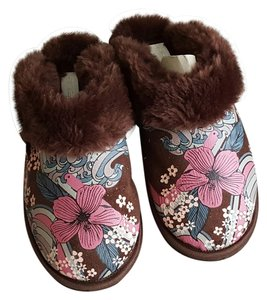 O'Neill Fuzzy Cute Slippers Comfy Comfortable Mules
