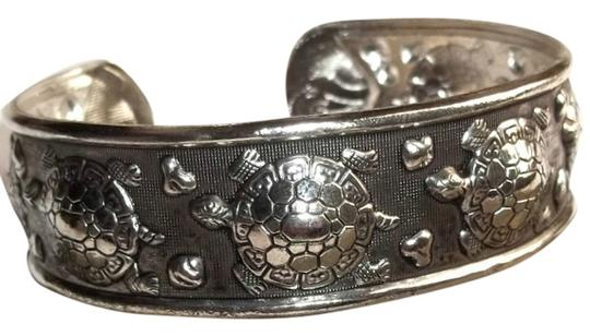 Other Silver Cuff Bracelet with turtle design