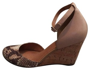 Clarks nude Wedges