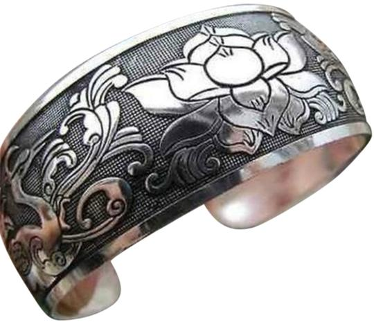 Preload https://item3.tradesy.com/images/glamour-girl-designs-silver-cuff-bracelet-with-birds-and-flowers-1507347-0-0.jpg?width=440&height=440