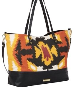 Steve Madden Tote in Multi-Colored
