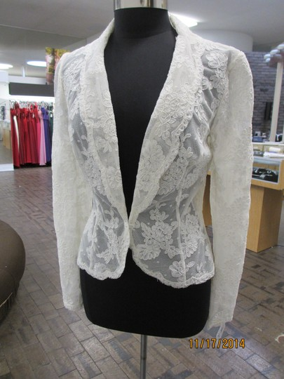 Preload https://item1.tradesy.com/images/watters-and-watters-bridal-bridal-jacket-lace-1507730-0-0.jpg?width=440&height=440
