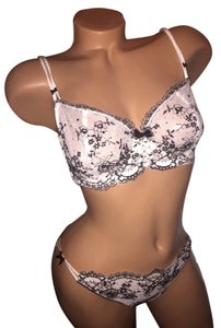 Victoria's Secret New Victoria's Secret Set 34D/large