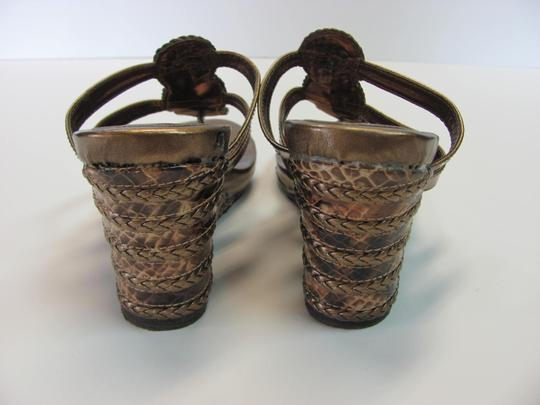 Montego Bay Club Size 7.00 M Reptile Design Very Good Condition Goldish/Bronze Wedges Image 2