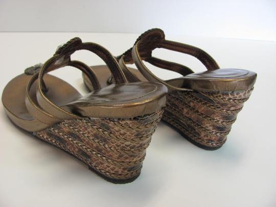 Montego Bay Club Size 7.00 M Reptile Design Very Good Condition Goldish/Bronze Wedges Image 4