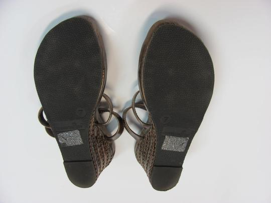 Montego Bay Club Size 7.00 M Reptile Design Very Good Condition Goldish/Bronze Wedges Image 5