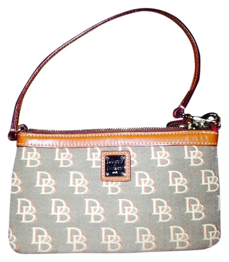 Preload https://item3.tradesy.com/images/dooney-and-bourke-d-and-b-wallet-clutch-1508192-0-0.jpg?width=440&height=440