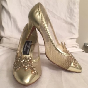 Stuart Weitzman Leather Pumps Gold Formal