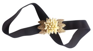 BCBGMAXAZRIA Stretch flower diamond belt size 10