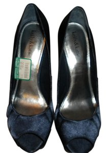 Kelly & Katie Navy Pumps