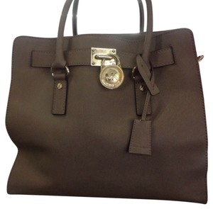 Michael Kors Satchel in Taupe,