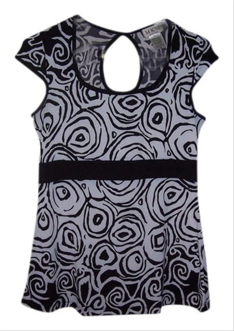 Preload https://item1.tradesy.com/images/mkm-designs-black-and-white-tunic-size-10-m-1509340-0-0.jpg?width=400&height=650