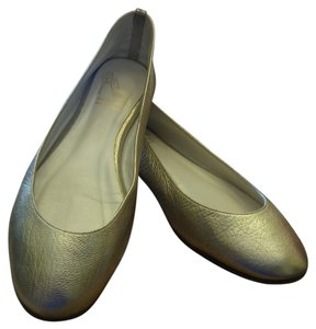 Saks Fifth Avenue Ballet Gold Textured Metallic gold Flats