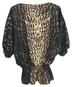 Vince Camuto Top Black and gold