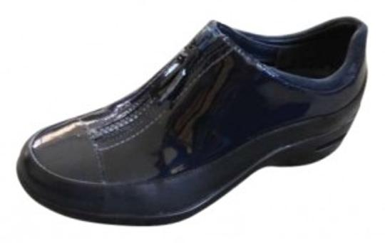Preload https://img-static.tradesy.com/item/150972/cole-haan-navy-blue-ankle-bootsnavy-patent-leather-bootsbooties-size-us-55-0-0-540-540.jpg