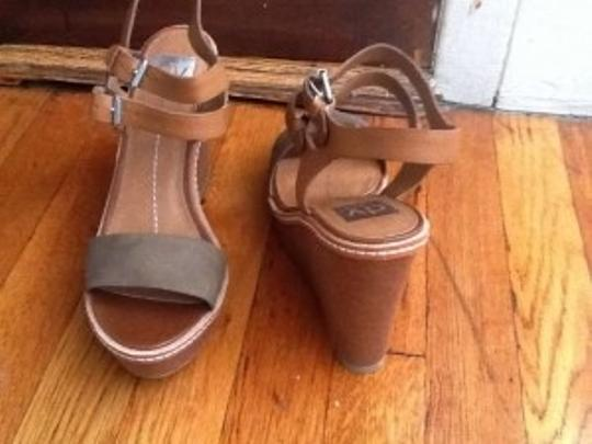 Dolce Vita Wedge Dv taupe Sandals