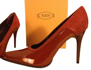 Tod's Rust Brown Pumps