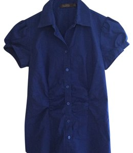 The Limited Blue Shortsleeve Button Down Shirt