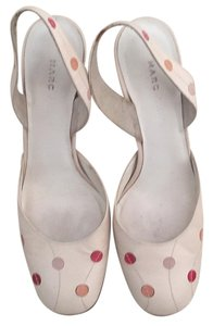 Marc Jacobs Cream Pumps