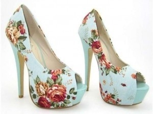 Floral Pumps Celeb Platforms Size US 8.5