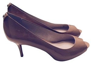 Michael Kors New Heels Tan Nude Pumps
