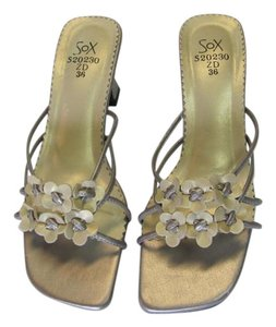 Hot Sox Size 6.50 M Very Good Condition Neutral Sandals