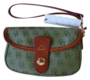 Dooney & Bourke Wristlet in Green