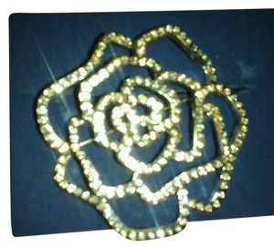 Avon Rhinestone Rose Pin with Dozens of Clear Rhinestones