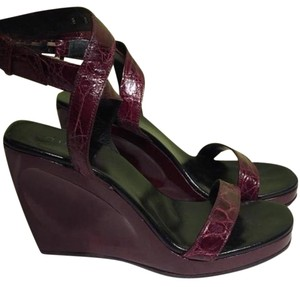Gucci Wine Wedges