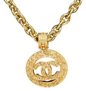 Chanel Chanel Gold Chain Medallion CC Pendant Necklace 94A