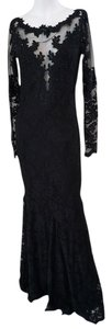 OLVI'S Evening Size 8 Full Length Elegant Lace Prom Dress