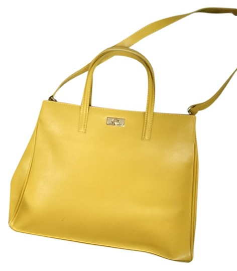 Preload https://item1.tradesy.com/images/russell-bromley-shoes-and-leather-tote-1512790-0-0.jpg?width=440&height=440