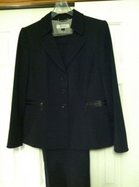 Elie Tahari Classic Pant Suit with a Contemporary Twist