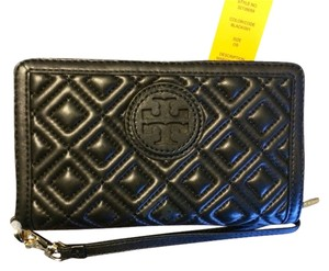 Tory Burch NWT Tory Burch Marion Quilted Wristlet Wallet
