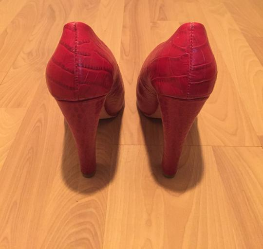 bebe Brand New Never Been Worn Snakeskin Platform Luxury Holiday Party Leather Red Pumps