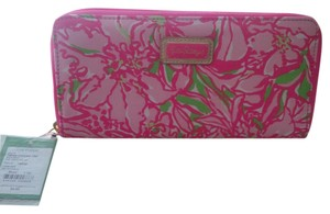 Lilly Pulitzer NEW. Lilly Pulitzer Wallet