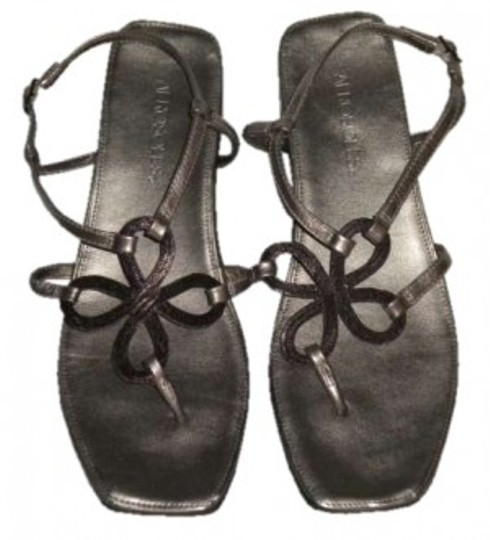 Preload https://img-static.tradesy.com/item/151350/aerosoles-metalic-pewter-soul-mate-sandals-size-us-85-0-0-540-540.jpg
