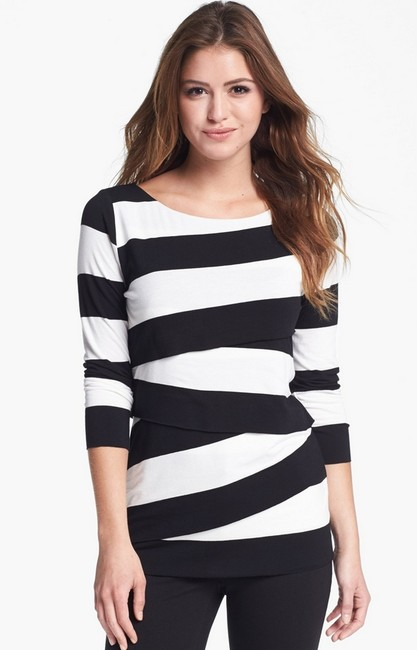 Preload https://item4.tradesy.com/images/vince-camuto-top-1513613-0-1.jpg?width=400&height=650