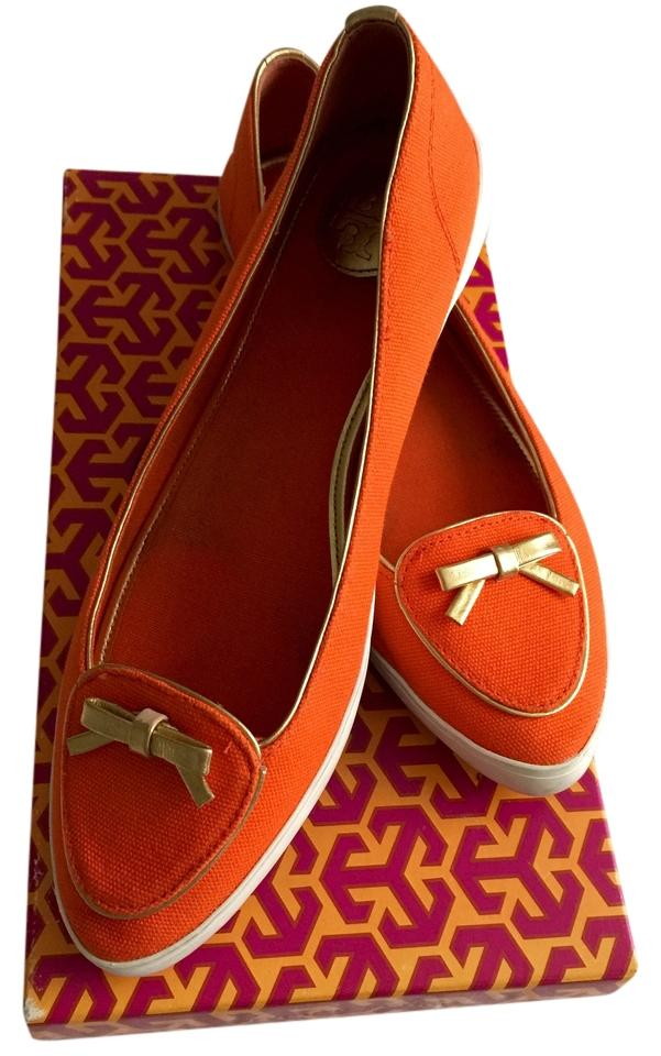 47caaf435a7 Tory Burch Canvas Boat Gold Bow Details and Purple Label Insignia ...
