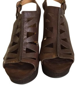 Nine West Brown Sandals