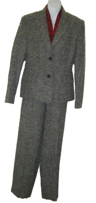 Preload https://item2.tradesy.com/images/talbots-black-and-white-tweed-10-jacket-14p-slacks-lined-career-wool-blend-pant-suit-size-petite-14--1514116-0-0.jpg?width=400&height=650