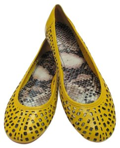 Gianni Bini Leather Size 7.50 M Good Condition Yellow Flats