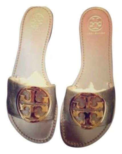Preload https://img-static.tradesy.com/item/151447/tory-burch-silver-and-gold-with-iconic-medallion-sandals-size-us-9-0-0-540-540.jpg